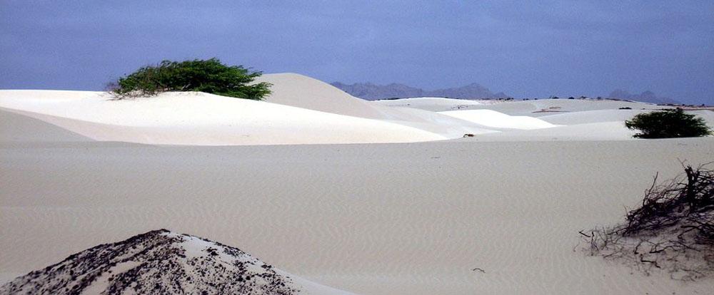 Bílý písek na ostrově Boa Vista